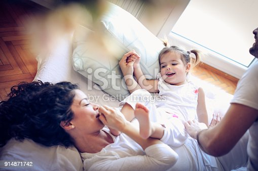 479612990istockphoto Morning in my life is always happy and fun. Little girl. 914871742