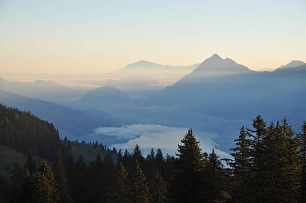 Morgen in der Schweiz – Foto