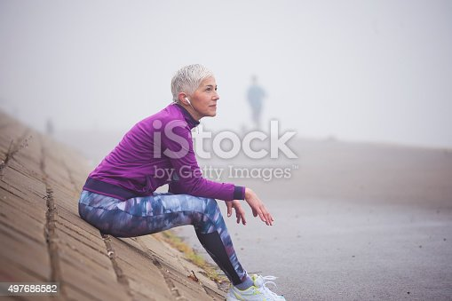 497687118istockphoto Morning jogging 497686582