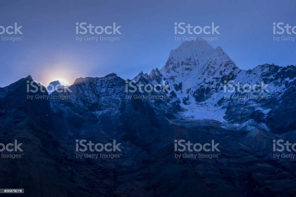 Morning light at Himalayas Region Mountain. zbiór zdjęć royalty-free