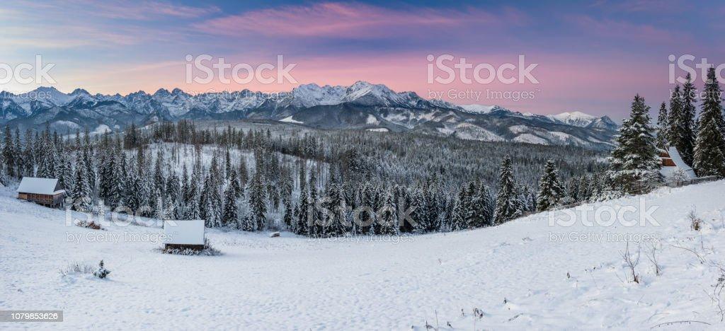 Morgen-Panorama der Berge SnowyTatra, Polen – Foto