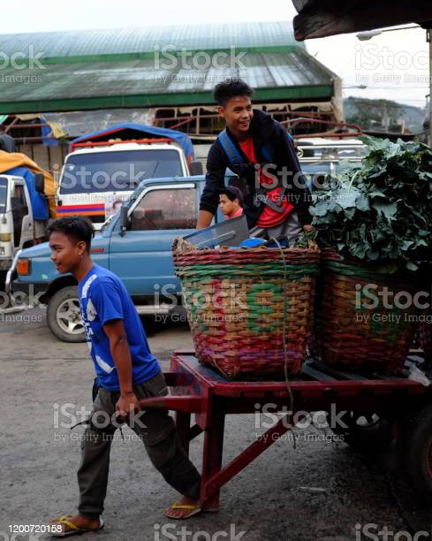 Morning scene at a vegetable market in the philippines asia picture id1200720158?b=1&k=6&m=1200720158&s=612x612&h=j4qbm1g8ul7z htkcfo h2gn2up4geastjnqryccevs=