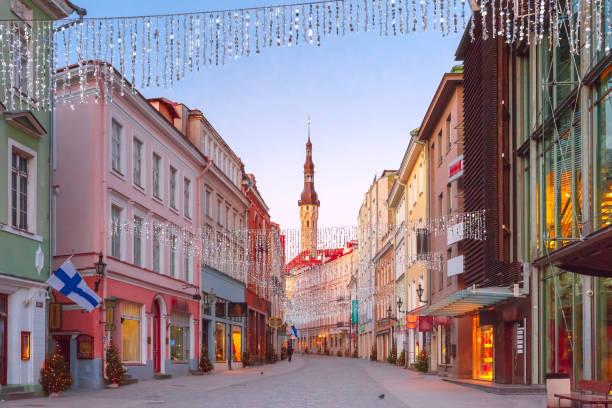Matin rue dans la vieille ville de Tallinn, Estonie - Photo