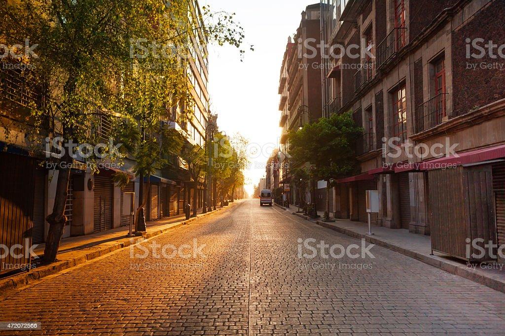 Mañana, vista a la calle, de la Ciudad Antigua colonial - foto de stock