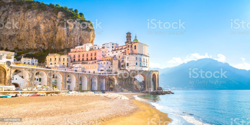 Morning view of Amalfi cityscape, Italy - Foto stock royalty-free di Acqua