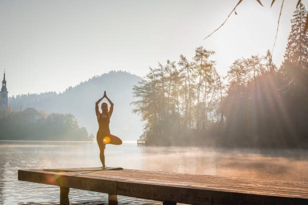 MorgenYoga am Sonnensee In Slowenien – Foto