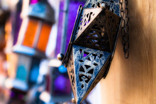 994119256 istock photo Moroccan glass and metal lanterns lamps in Marrakesh souq 177780033