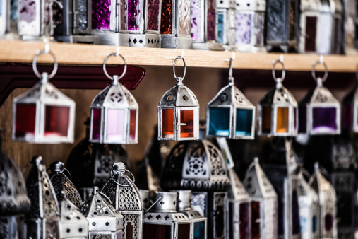 994119256 istock photo Moroccan glass and metal lanterns lamps in Marrakesh souq 177787973