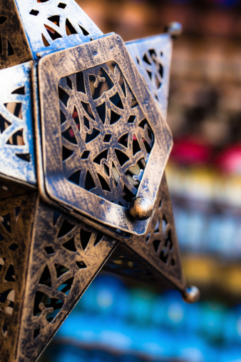 994119256 istock photo Moroccan glass and metal lanterns lamps in Marrakesh souq 177838244