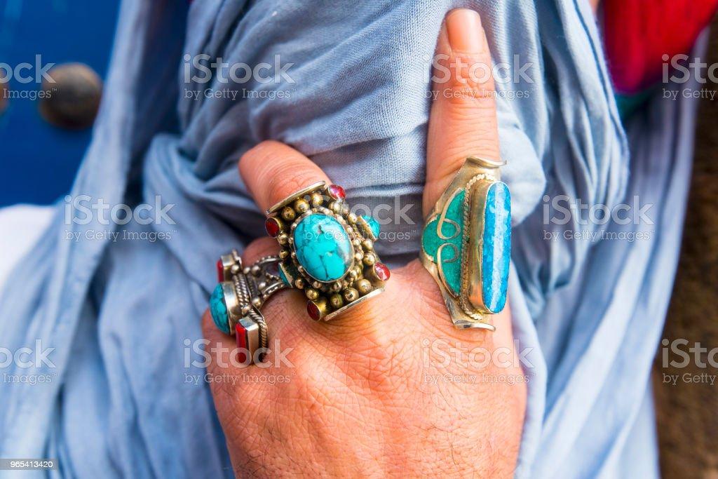 Homme marocain berbère habillé en costume traditionnel - Photo de Adulte libre de droits