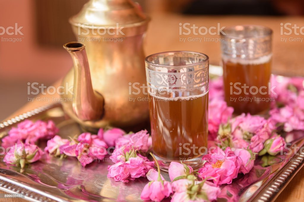 Moroccan tea in a tray - foto stock