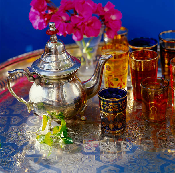 marokkanische tee - urlaub in tunesien stock-fotos und bilder
