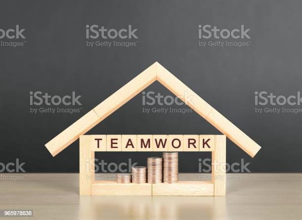 Hypothekenkonzept Von Haus Von Hand Stockfoto und mehr Bilder von Architektur