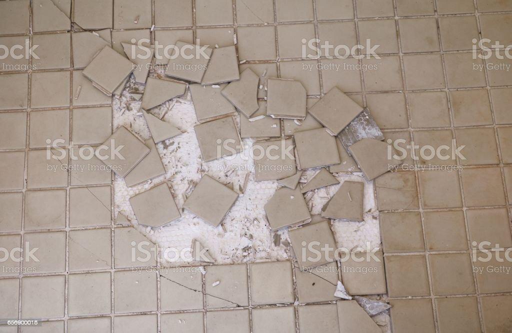 Mosaik Fliesen Gebrochen Alte Bunte Seramic Fliese Stockfoto IStock - Alte mosaik fliesen