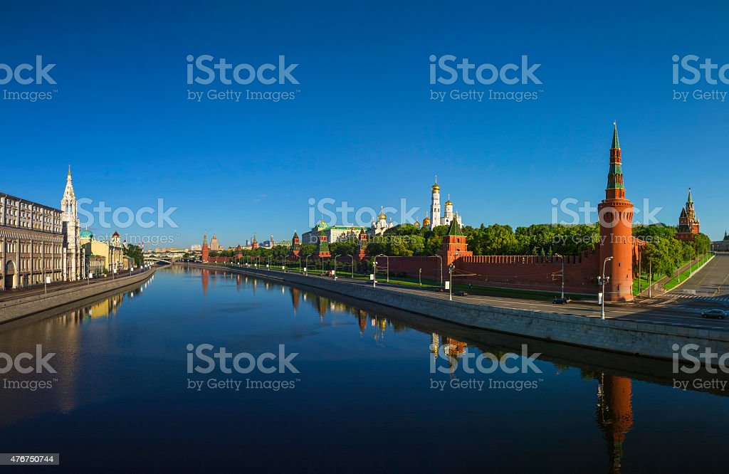 Московский Кремль на рассвете, Кремль Дамба Стоковые фото Стоковая фотография