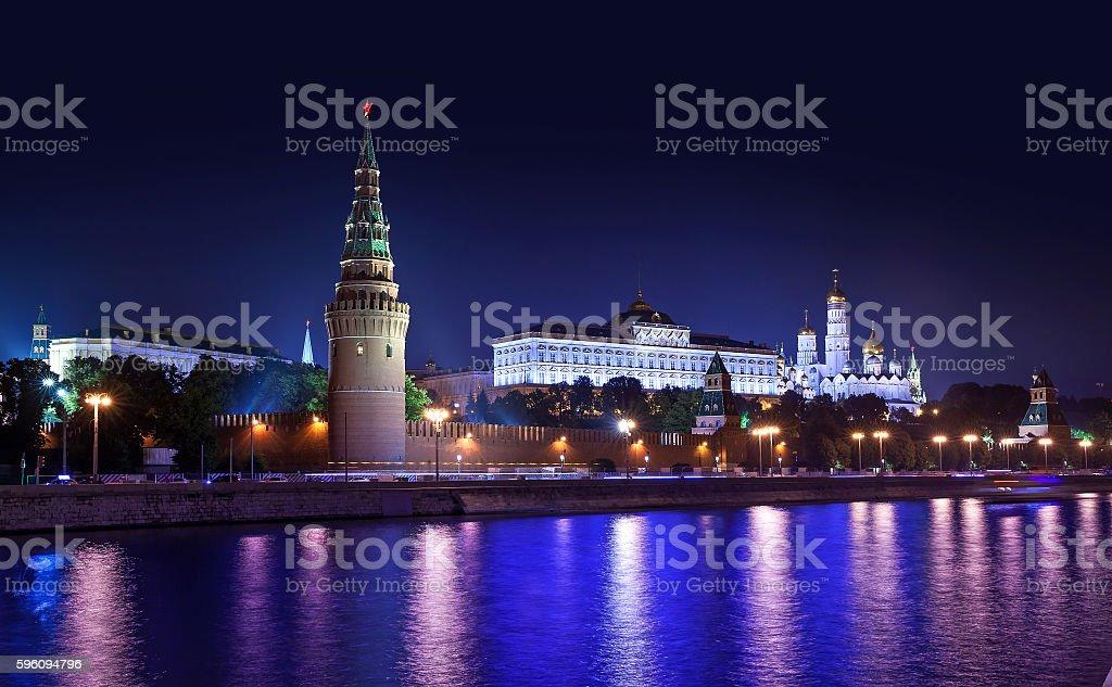 Kremlin in Moskau bei Nacht  Lizenzfreies stock-foto