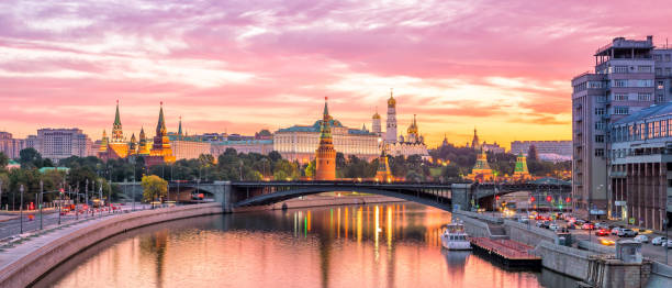 Moscow Kremlin Moscow Kremlin and river in morning, Russia moscow russia stock pictures, royalty-free photos & images