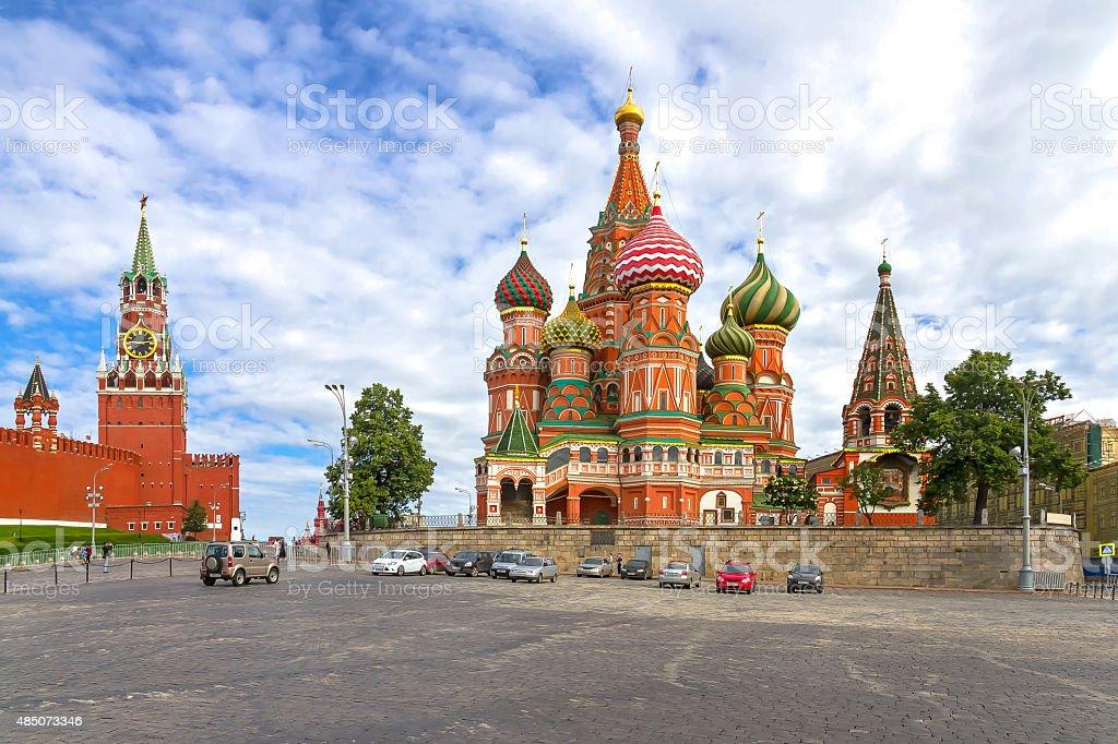 , Москва Кремль Спасская башня и Собор Василия Блаженного. TM стоковое фото