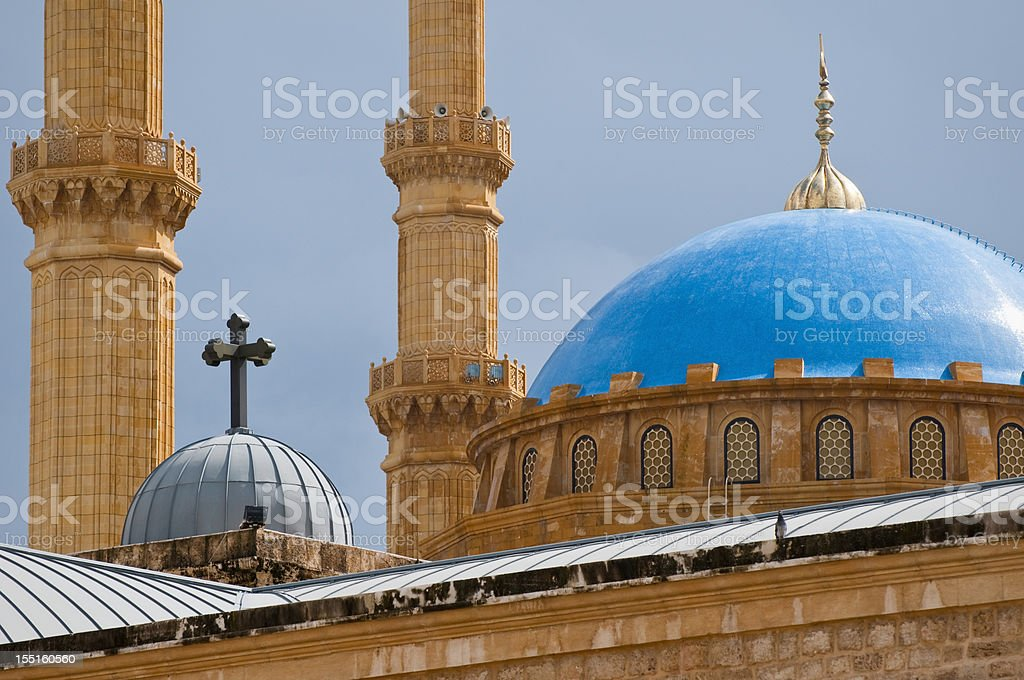 Moschee, Kirche im Kontrast in Beirut, Libanon – Foto
