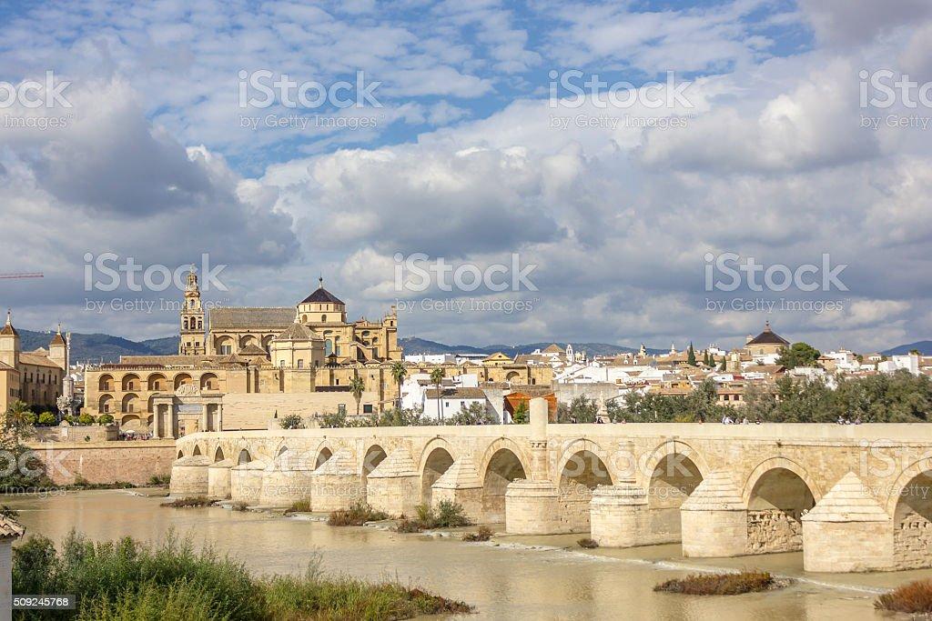 Photo Libre De Droit De Mosquee Et Pont Romain De Cordoue