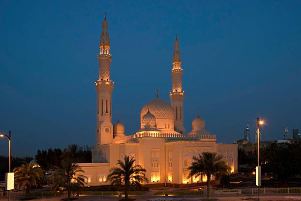 moschee, dubai, vereinigte arabische emirate - sheikh zayed road stock-fotos und bilder