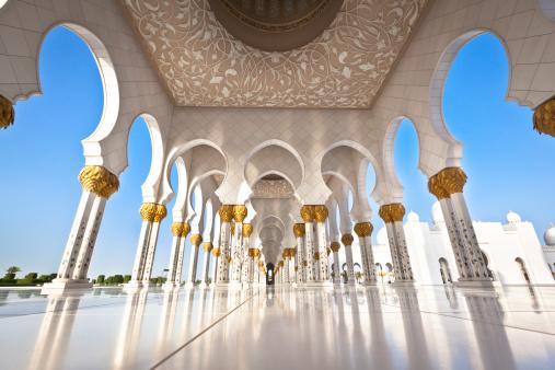 famous sheikh zayed grand mosque. abu dhabi, united arab emirates.
