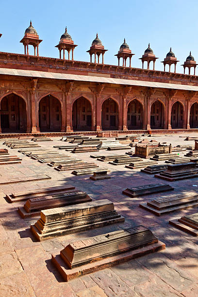 Mosque Jama Masjid in Fatehpur Sikri, Agra, India The Jama Masjid in Fatehpur Sikri is a mosque in Agra, completed in 1571 agra jama masjid mosque stock pictures, royalty-free photos & images