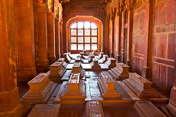 Mosque Jama Masjid in Fatehpur Sikri, Agra, India marble graveyards in Jama Masjid in Fatehpur Sikri  remember to islamic holy people agra jama masjid mosque stock pictures, royalty-free photos & images