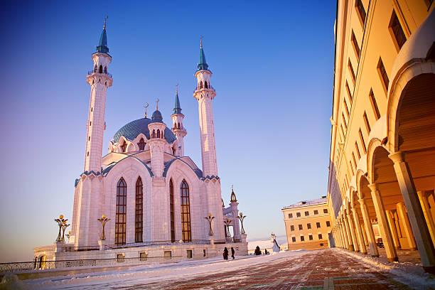 mosque qolsharif at sunset - sint petersburg rusland stockfoto's en -beelden
