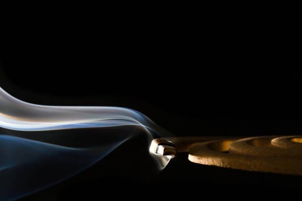 美しい煙で蚊コイル ストックフォト