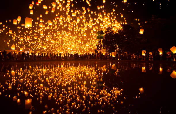 most famouse event yipeng festival in chiangmai, thailand. - kratong stock photos and pictures
