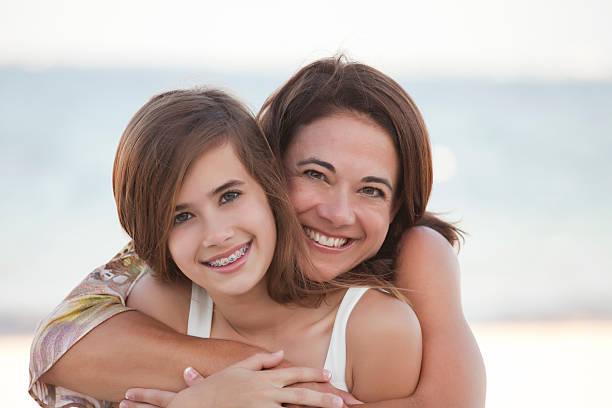 Mutter & Tochter am Strand – Foto