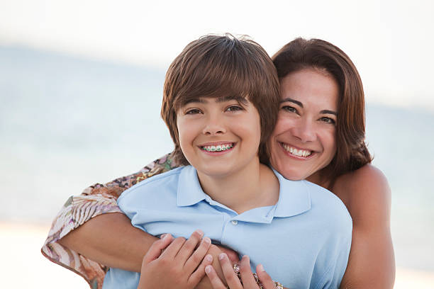 Mutter & Sohn am Strand – Foto