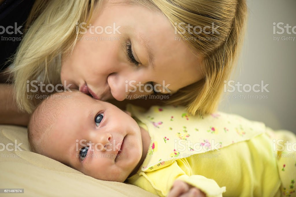 Mother and Baby kissing, hugging Lizenzfreies stock-foto