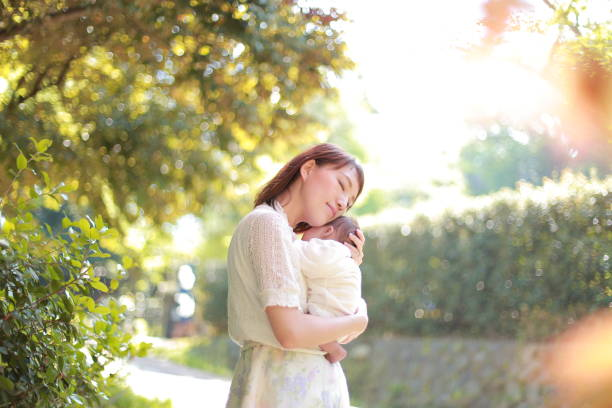 母親と赤ちゃん - 母親 ストックフォトと画像