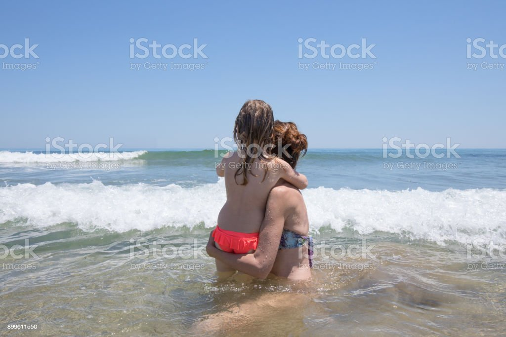 29+ Woman With Child On The Seashore JPG