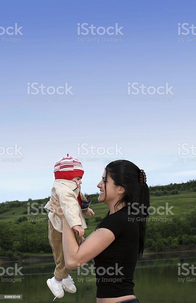 Madre y niño foto de stock libre de derechos