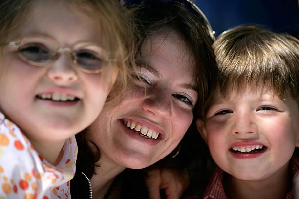 Mutter und Kinder – Foto