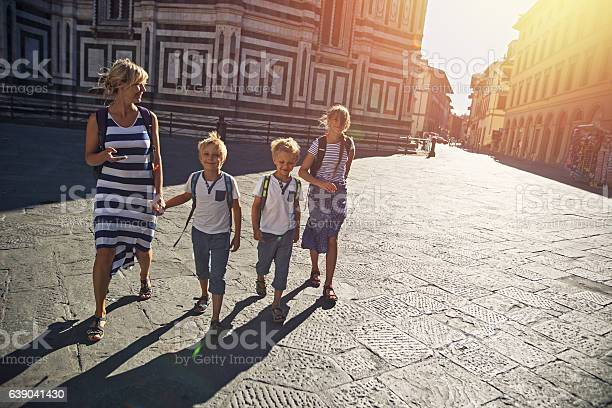 Mother and children tourist visiting florence italy picture id639041430?b=1&k=6&m=639041430&s=612x612&h=w3pd eytett8fwwwckzagcrfgbu nndxp6t1syweff8=