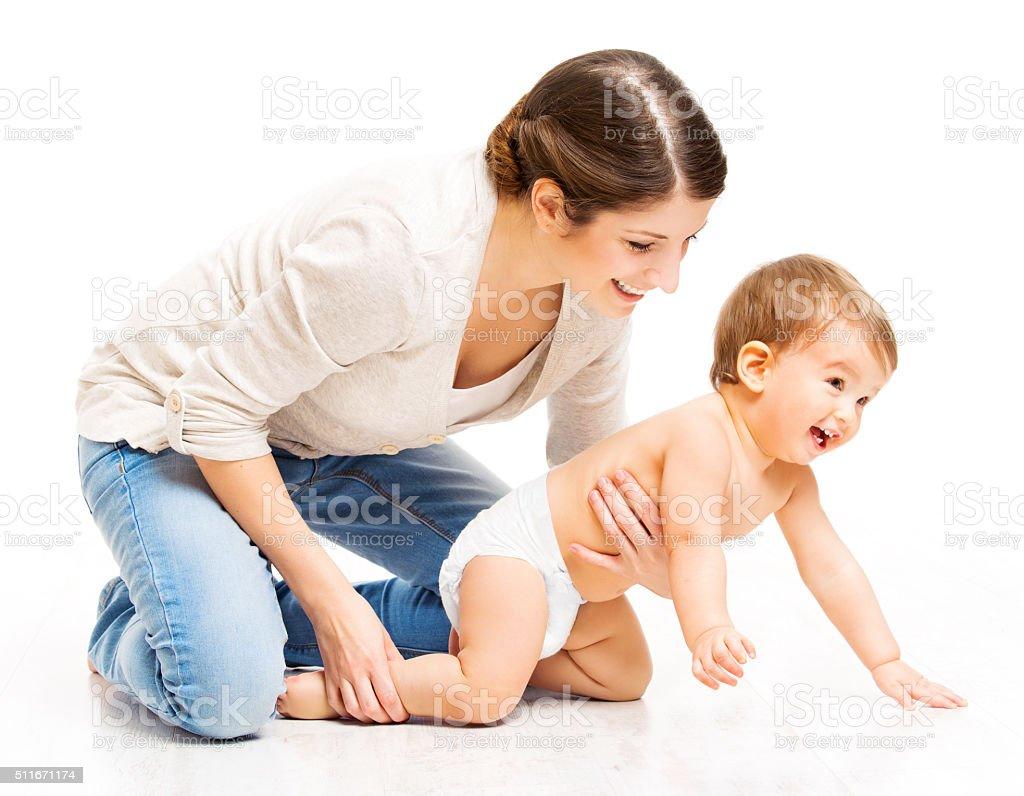 Mutter und Krabbeln Kleinkind Kind, Frau Eltern hält Kind, weiß – Foto