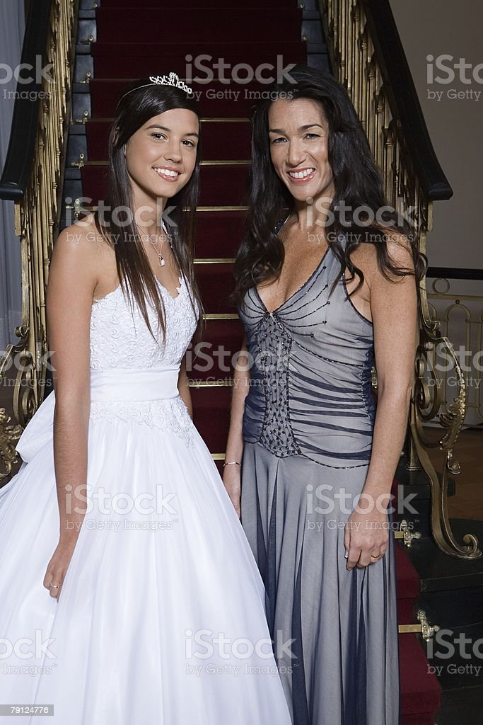 Mother and daughter at quinceanera royalty-free 스톡 사진