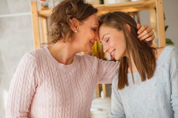 Mutter und Tochter festigen – Foto