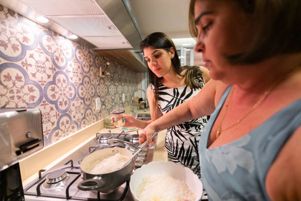 Mère et fille de cuisine cuisine - Photo