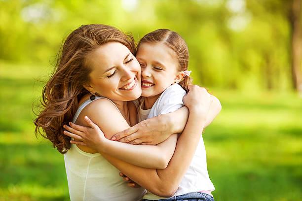 Mother and daughter in park picture id503621373?b=1&k=6&m=503621373&s=612x612&w=0&h=mnsd5i zpiuneglax7bvu  rwavmaar2hrwei p1zmw=