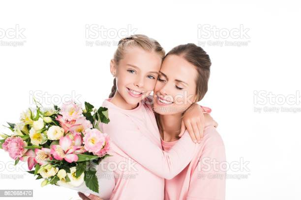 Mother and daughter on mothers day picture id862668470?b=1&k=6&m=862668470&s=612x612&h=3 wndawmrq4r9vff 1cauvovyom6uevn7eg kee1s1q=