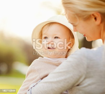 istock Mother and daughter 180710544