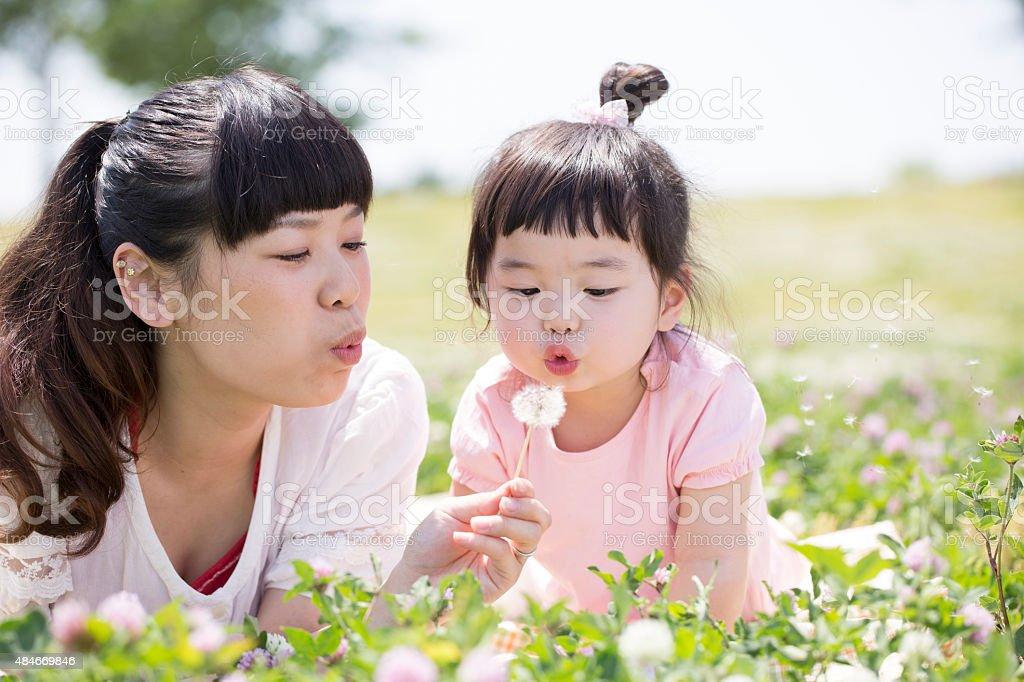 Mãe e filha foto de stock royalty-free