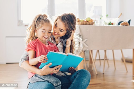 The 10 Best Books for Working Moms Trying to Conquer the World