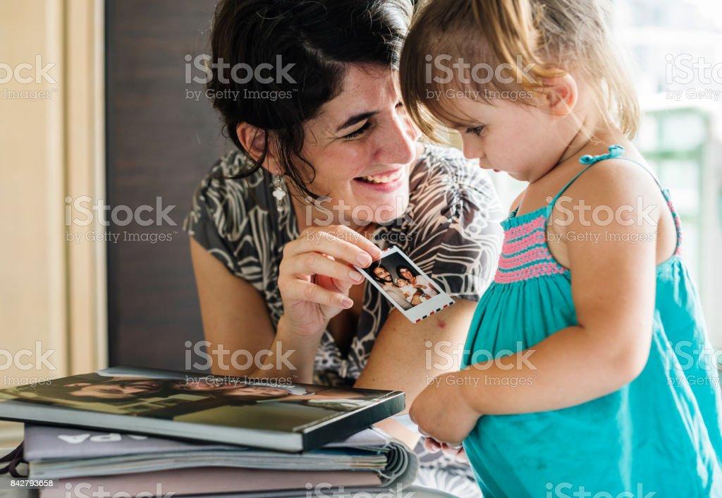 Madre e hija pasar tiempo juntos - foto de stock