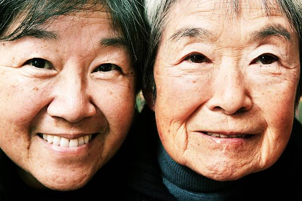 母と祖母 - 母娘 笑顔 日本人 ストックフォトと画像